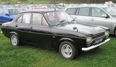 File:Ford Escort Mk I 4 door