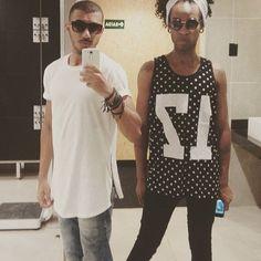 Respeita meu crespo q eu respeito seu guarda chuva...  #PretinhoDoPoder #BlackPower #Negro #Cor #love #orgulho #flawless #feelingmyself #style #street #fashion #friend #Night #Gaysp #Gaycool #gaybarbie #gayboy #gayjacked #Gaypride #gayguy #gaystagram #Like4like #followgay #men #guy #boy