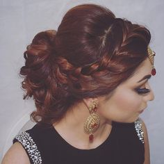 Soft bridal do inspired by @womenbeauty1hairstyles perfect for those who don't want sleek and intricate hair styles . I used @bombayhair 25mm curling wand to create this hair style .  @bestofhair @hairbyvalerie @hairsalonm @hairbyanaak @artak_hairstylist @zuhra_stylist  #anastasiabeverlyhills #asianbride #bride #bridal #brides #wedding #dressyourface #eyekandycosmetics #goaravetisyan #hudabeauty #shophudabeauty #monakattan #alyakattan #londonmua #londonmakeupartist #londonhairstylist…