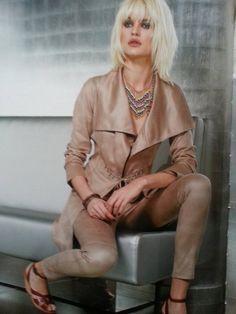 pantalon legging simili cuir - CpourL Style, Fashion, Bermudas, Fashion Ideas, Trendy Outfits, Trousers, Swag, Moda, Fashion Styles