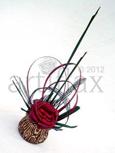 Flax flowers by Artiflax arranged in a ponga vase by Fernwood NZ Wedding Centrepieces, Wedding Bouquets, Wedding Flowers, Centerpieces, Wedding Decorations, Wedding Ideas, Table Decorations, Ikebana Arrangements, Floral Arrangements