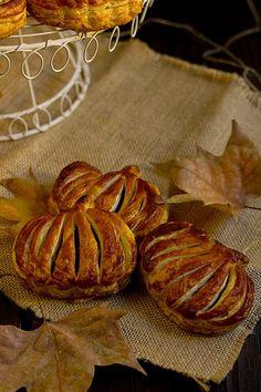 Yerbabuena en la cocina: Calabazas de hojaldre para Halloween Samhain, Halloween Party, Bread, Snacks, Desserts, Food, Puff Pastry Recipes, Phyllo Dough, Cookies