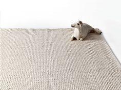 Alfombra rectangular de lana PUNTO by GAN By Gandia Blasco diseño José Antonio Gandía-Blasco