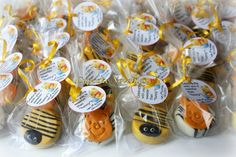 Buy Online on Etsy! #WinnieThePoohBirthday #PoohBabyShower Delicious Chocolate covered Oreos Cookies with Winnie the Pooh, Tigger & Bumble Bees themed handmade edible decoration! Perfect for Pooh-themed birthdays, Bumble bee themed birthday or baby shower, Winnie the Pooh birthday favors or dessert, or a Pooh or Bee themed school event!