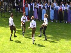 Austrian traditional folk dance by Volkstanzgruppe Sankt Martin im Sulmtal, from Steiermark, Austria. Redorded on 30/07/2011 in Stirling, Scotland. http://www.st-martin-sulmtal.gv.at/Volkstanzgruppe-St-Martin-im-Sulmtal.125.0.html Danza tradicional austríaca. Grupo Volkstanzgruppe Sankt Martin...  https://www.crazytech.eu.org/austrian-traditional-folk-dance-haidauer-osterwitzer-schuhplattler/