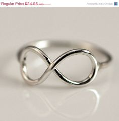Christmas in July Sale Infinity Ring - Thumb Ring - Infinity Jewelry - Argentium Strerling Silver Jewelry - Handmade on Etsy, 15,60 €