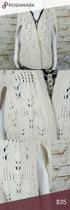 """Free People oversized open front sweater vest Boho Chic Chunky Cable knit sweater vest. Goes with everything!  25"""" across from armpit to armpit and 27"""" long from shoulder to hem Free People Sweaters"""
