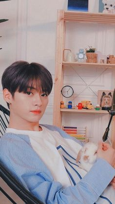Lee Minho Stray Kids, Lee Know Stray Kids, Kim Woo Jin, Fandom, Kids Wallpaper, Lee Min Ho, Boyfriend Material, Korean Boy Bands, Korean Singer