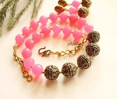 Handmade Jewellery, Handmade Necklaces, Pink Gemstones, Necklace Online, Handicraft, Antique Gold, Necklace Set, Gemstone Beads, Hot Pink