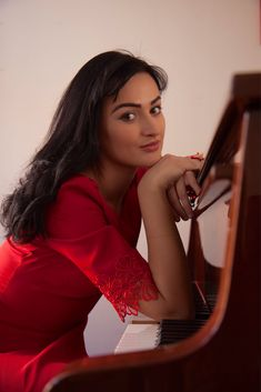 Soprano singer and pianist Opera Singers, One Shoulder, Formal Dresses, Music, Fashion, Musica, Moda, Musik, Formal Gowns