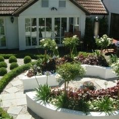 Modern planting helped the theme