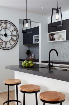 #boutiquehomesvictoria #kitchenslayout #kitchendesign #kitchencabinets #contemporarykitchens #hamptonskitchen