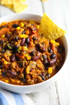 Ultimate Healthy Vegan Chili recipe #MeatlessMonday @meatlessmonday