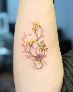 If you've been thinking about getting a tattoo of your zodiac sign, you may want to consider birth flower tattoos while you're at it. Like a birth stone, there tattoos These Birth Flower Tattoos Will Make You Forget About Your Zodiac Sign Pretty Tattoos, Unique Tattoos, Small Tattoos, Cool Tattoos, Awesome Tattoos, Beautiful Flower Tattoos, Birth Flower Tattoos, Flower Wrist Tattoos, Tattoos Of Flowers