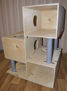 Site in Russian. This one uses L Brackets. Cat Tree House, Cat House Diy, Cool Cat Trees, Diy Cat Tree, Cat Gym, Cat Perch, Cat Towers, Cat Shelves, Cat Enclosure