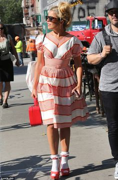 Paloma Faith wears polka dot ensemble as she heads to FOLD Festival Colourful Outfits, Trendy Outfits, Cute Outfits, Dress With Converse, Frilly Socks, Platform Converse, Paloma Faith, Polka Dot Mini Dresses, Girls Time