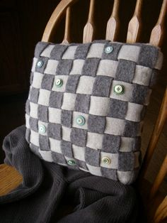 Resweater: Recycled wool pillow week - Woven Together