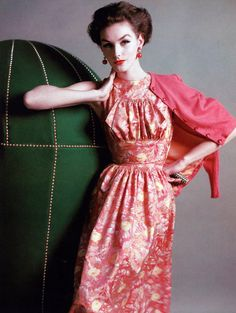 Lucinda Hollingsworth in a casual evening dress worn with cashmere cardigan by Mainbocher, photo by Karen Radkai, Vogue 1956 Vintage Fashion 1950s, Fifties Fashion, Vintage Couture, Vintage Vogue, Vintage Glamour, Retro Fashion, Vintage Woman, Dress Code, Casual Evening Dresses