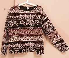 Sweter/bluza we wzory H&M z mojej szafy! Rozmiar 38 / 10 / M za 10.00 zł. Zobacz: http://www.vinted.pl/damska-odziez/bluzy/17772657-sweterbluza-we-wzory.