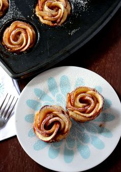 Baked Apple Roses With Puff Pastry - My Cooking Journey Nutella Brownies, Different Recipes, Other Recipes, Baked Apple Roses, Easy Puff Pastry Desserts, Easy Baked Apples, Bean Cakes, Roasted Butternut Squash Soup, Crumble Topping