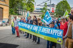 Groen-voorzitter Wouter Van Besien trekt samen met Ademloos en Straten-Generaal de kop van het protest tegen het BAM-tracé en voor een overkapping van de Antwerpse ring. #samenbeterdoen