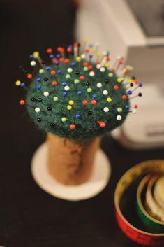 En nåltovad nåldyna - Diagnos:Kreativ Sprinkles, Candy, Creative, Sweets, Candy Bars, Chocolates