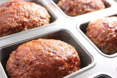 Petite Turkey Meatloaves Gina's Weight Watcher Recipes Servings: 4 mini loaves Serving Size: 1 loaf • Old Points: 5 pts • Points+: 5 pts Calories: 221.3 • Fat: 4.6 g • Carbs: 14.1 g • Fiber: 1.2 g • Protein: 28.9 g 1/2 small onion, minced 1 tsp olive oil 1.3 lb 99% lean ground turkey 1/2 cup oatmeal 1/4 cup ketchup + 2 tbsp 2 tsp worcesterchire sauce 1 large egg 1 tsp marjoram salt