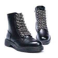 SB17-833-N 29,90€ Anfibi con catena modello Cult Comodi e alla moda...indossali e sarai UNICA! Finalmente in store !!!! ▪️Spedizione 24/48 h 📦 ▪️Pagamento alla consegna,con postepay o con carte 💰💳 Info e acquisti mandaci un messaggio privato📩 oppure contattaci su WhatsApp 3️⃣4️⃣5️⃣1️⃣7️⃣0️⃣0️⃣3️⃣3️⃣7️⃣ #hotshoes #forsale #ilike #shoeslover #like4lik #shoes #niceshoes #sportshoes #hotshoes