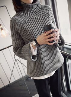 New Knitting Sweaters Fashion Minimal Chic Ideas Winter Sweaters, Sweater Weather, Cozy Sweaters, Ropa Free People, Diy Pullover, Looks Street Style, Fashion Mode, Fashion Outfits, Daily Fashion