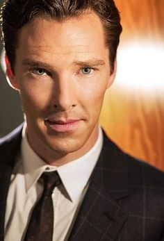 """Love ❤ #BenedictCumberbatch one of my favorite photos of him <-- My sister, """"He has a face like, 'I know I'm awesome!'"""""""