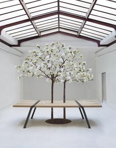 The PI Table by Roderick Fry was presented to the 1.618 Sustainable Luxury Event in Paris. 2012