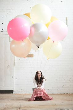love these big round balloons for baby shower. putting them in front of the house and doing pictures?
