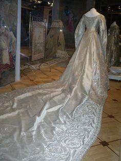 Коронационное платье императрицы Александры Федоровны, 1896 г