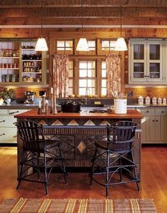 Adirondack style kitchen in rural Ohio / Carter Daley Designs - Interiors