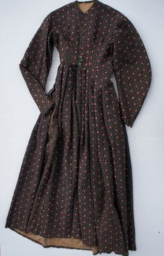 Circa 1840 woman's brown print  wool dress antique