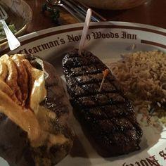 Yum! Nothing wrong with a cheat day right @scubasteve00s? #clearmansrestaurants #cheesebread #wine #northwoodsinn #sangabriel #covina #lamirada #losangeles #steak #dinner #food #foodporn #foodgasm #instafood #yum #yumyum #yummy #delicious #losangeles #familyrestaurant #stuffed #comfortfood #homecooking #classic #traditional