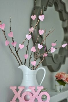 Heart Tree - DIY Home Decoration Ideas for Valentine's Day. Easy to make Home De. - Heart Tree – DIY Home Decoration Ideas for Valentine's Day. Easy to make Home Decor Crafts for - San Valentin Ideas, Saint Valentin Diy, Diy Valentine's Day Decorations, Valentines Day Decorations, Decor Ideas, Decor Crafts, Diy Crafts, Decor Diy, Diy Ideas