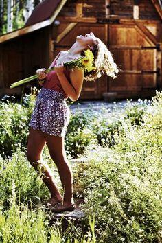 How do Smart Girls laugh when life gets tough? Find out! #besmartsharesmarts
