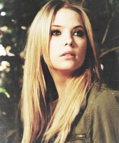pll pretty little liars hanna hannah ashley benson - Long hair. LOVE IT!!! *.*