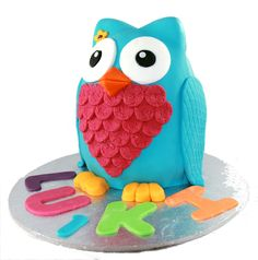3D Owl Cake  Like us on Facebook @ www.facebook.com/Meli.Ann.Designs