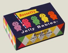 Jelly Babies packaging An old fashioned look on a Bassett's Jelly Babies. The packaging easily stands out and the consumer can easily identify what the sweets are. Vintage Sweets, Retro Sweets, Vintage Food, 1970s Childhood, My Childhood Memories, Retro Packaging, Packaging Design, Jelly Babies, Baby Box
