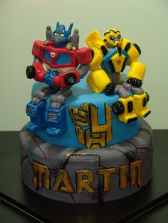 Transformers Bumble Bee Transformer Cake, Bumble Bee Cake, Transformer Birthday, Rescue Bots Cake, Rescue Bots Birthday, Transformers Cupcakes, Transformers Birthday Parties, Tire Cake, Molly Cake