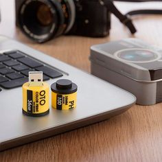 8 GB FILM ROLL PENDRIVE WITH REFLEX CAMERA CASE - Geeks Buy Gadgets