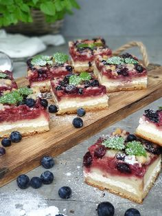 Letný ovocný koláč | Recepty - Mykitchendiary.sk French Toast, Breakfast, Food, Basket, Morning Coffee, Meals, Yemek, Eten