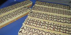 Karamelové čokoládky | NejRecept.cz Fudge, Animal Print Rug, Bread, Caramels, Brot, Baking, Breads, Buns