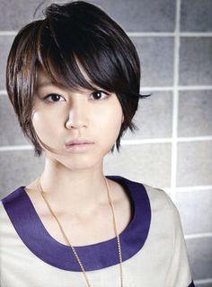 真似したい!堀北真希のストレートショート♡黒髪でもかわいい ショートヘアの参考