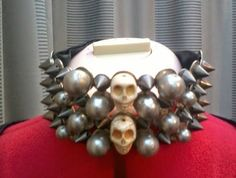 Skull and Spike choke with Ribbon