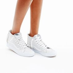 hint, hint – these Vans® sk8-hi slim zip high-top sneakers at Madewell are on my wishlist (+ winning a trip for two to Paris from Madewell). more info here: http://mwell.co/giftwellsweeps #giftwell #sweeps