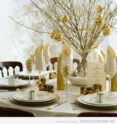 Ideas para decorar unas bodas de oro, 50 aniversario. Con esferas doradas