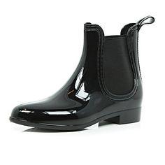 Because at a festival it always seems to rain. Black rubber wellington boots £20 #riverisland #spiritofsummer #festival